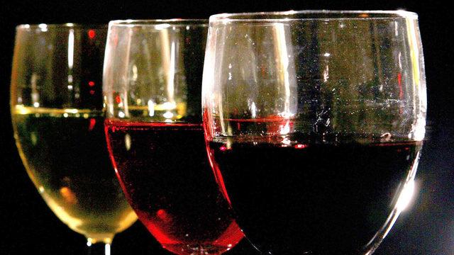 Christmas Wine Glasses In Emmerdale
